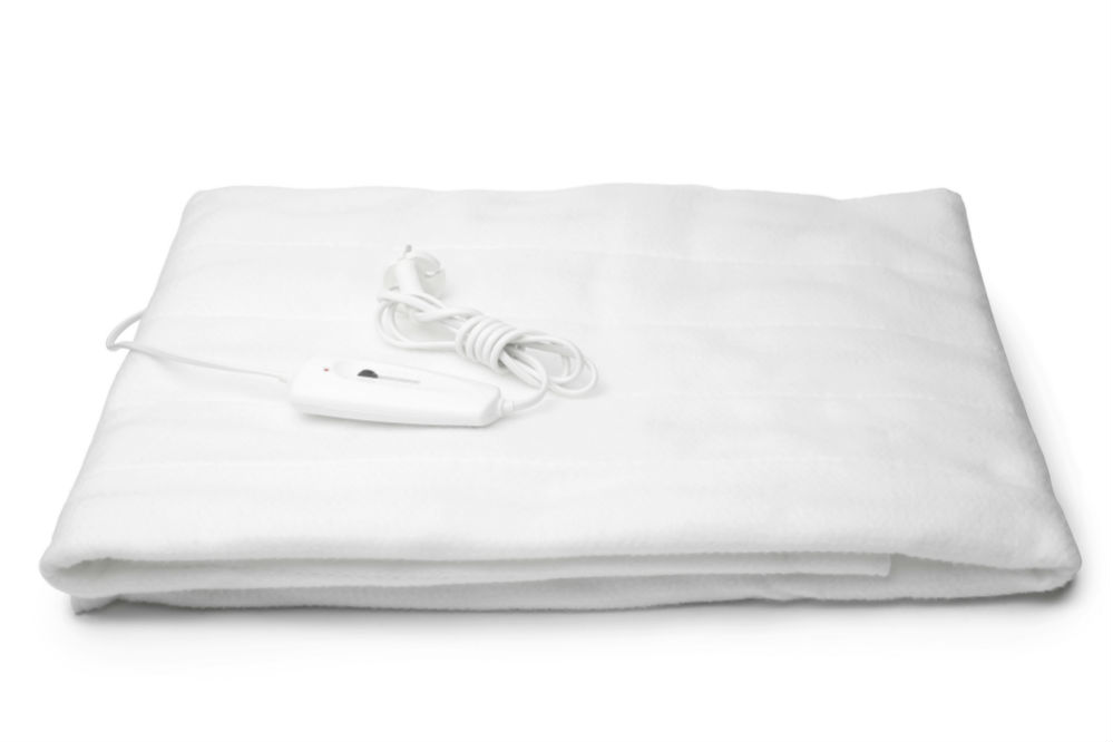 How to Wash An Electric Blanket: The Three Best Ways