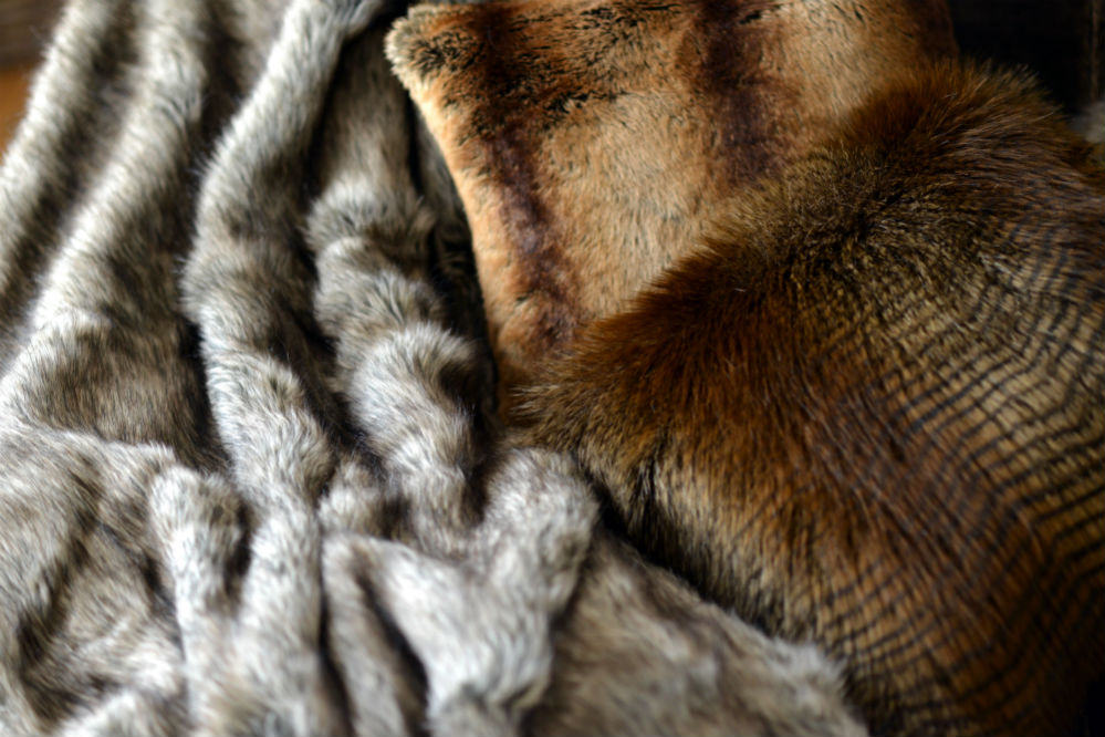 How to Care for Your Faux Fur Blanket in Easy Steps